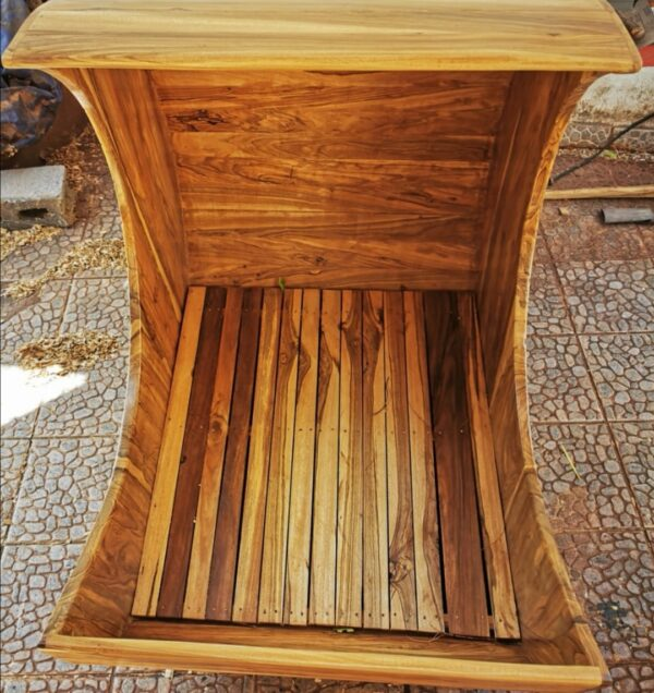 cuna madera estilo luna en san juan del sur