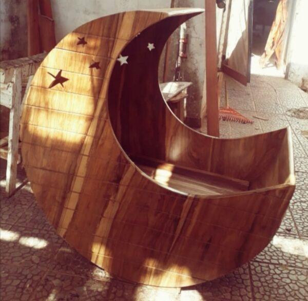 cuna madera estilo luna en san juan del sur, Rivas, Nic