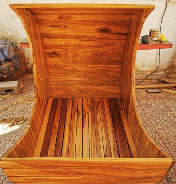 cuna madera estilo luna en san juan del sur, Rivas, Nicaragua