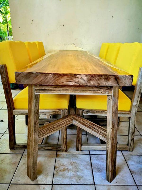 laurel-wood-table