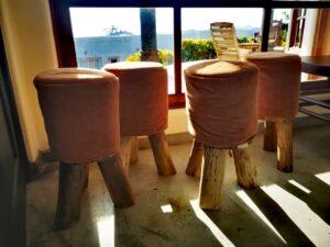 Butacas de madera rustica