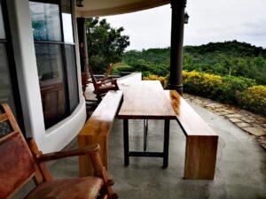 Mesa de madera casa el faro, constructora vargas