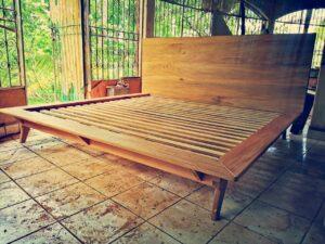 cama de madera matrimonial