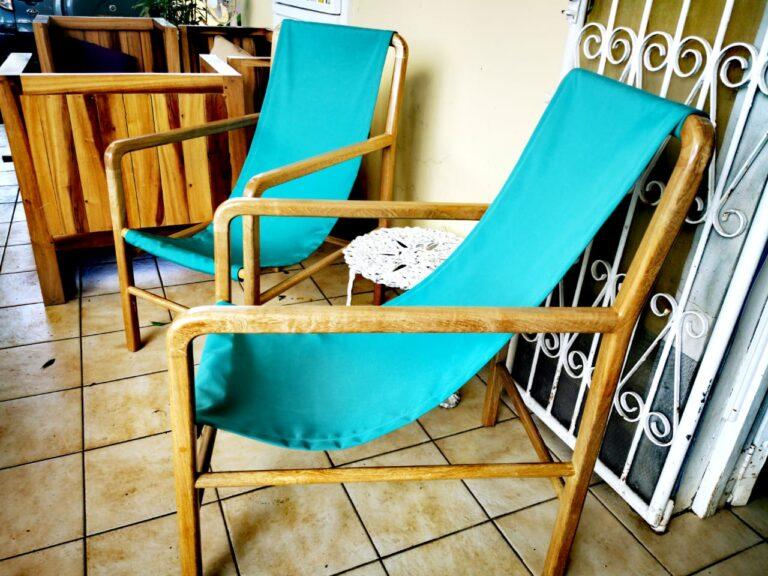 silla de madera para piscina o playa